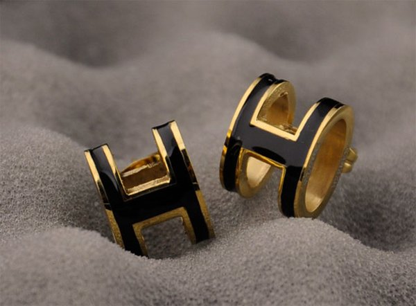 Factory Price High Quality Luxury Celebrity design Letter Stud Earrings Fashion metal Letter earrings With Box