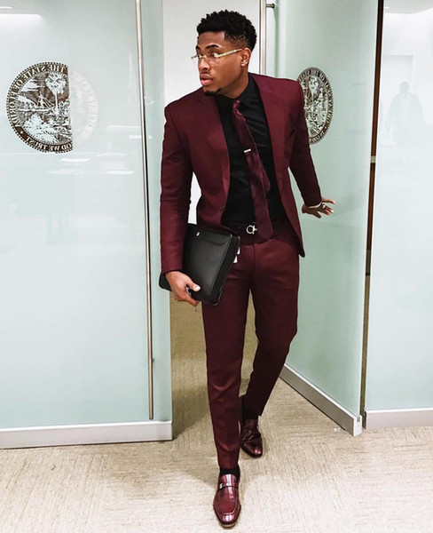 Chic Burgundy Two Pieces Mens Suits Slim Fit Wedding Grooms Tuxedos Cheap One Button Formal Prom Suit Jacket And Pants With Tie