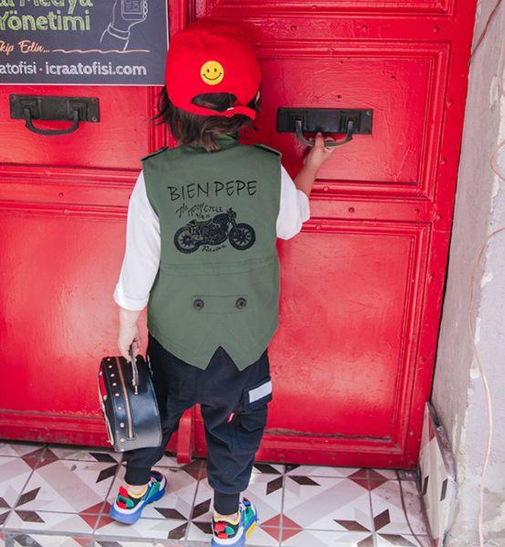 Niños del otoño chaleco de mezclilla Moda niños carta motocicleta impresa chaleco outwear niños solo pecho doble bolsillo jean chaleco F0786