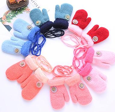 Children's Knitted gloves wool spinning knitted goods size suitable for children cartoon pattern four colors a piece a lot drop shipping