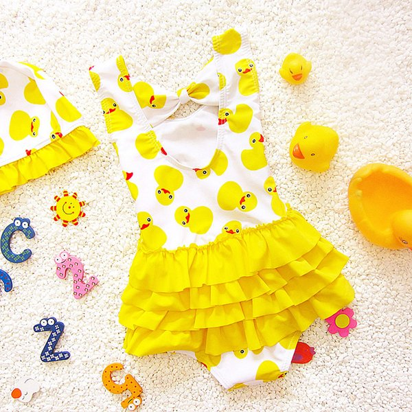 2018 Costume da bagno per bambini Bikini Costume da bagno per bebè Ruffle Swing Vestito per bambini coordinato Cappello per bambini Yellow Duck Girl Costume stampato per principe