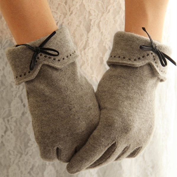 Fashion Bowknot Embroidery Knitted Gloves Women Wool Bow Tie Touchscreen Gloves Winter Warm Cashmere Full Finger Mittens