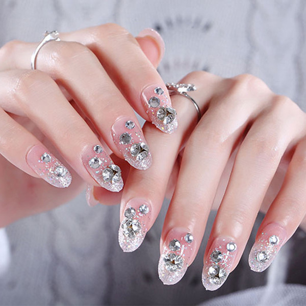 24pcs/Set Elegant Rhinestone Bride Nail Art Pre-Designed Short Round Head Glitter False Nails Faux nep nagels with Glue Sticker