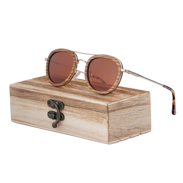 brown lens with case2