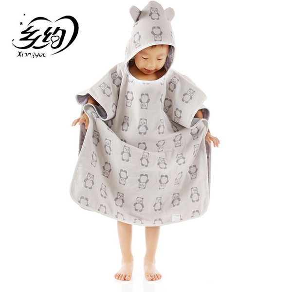 Four layers of gauze baby towels wearing cap cloak a class of non - fluorescent agent cotton gauze children 's bath towel