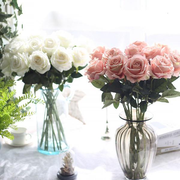 10pcs / lot décorations de mariage Réaliste matériau tactile Fleurs Artificielles Rose Bouquet Home Party Décoration Faux Soie Tige Simple Fleurs Floral