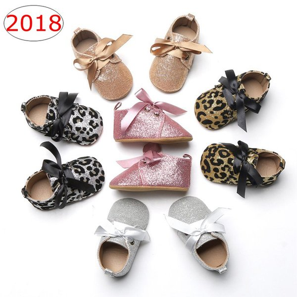 top popular INS Baby Moccasins Walking shoes Glitter Camo Riband Lace-up Fabric Anti-slip Soft Sole Shinning Upper Infant Moccasins for Girls 5colors 2021