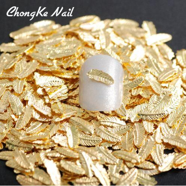 500 unids / pack 3D nueva llegada del encanto de la pluma de la forma del clavo del metal Nails remache del arte del oro encantos de uñas accesorios 3d Nail Art Decorations