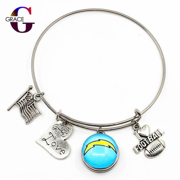 10pcs / lot mode coeur amour charmes avec football sport équipe boutons pression en verre bricolage réglable extensible bracelet bracelet pour les femmes