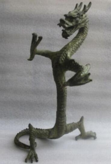 Height: 23.5 cm * / elaborate bronze figure of the statue of the Chinese dragon