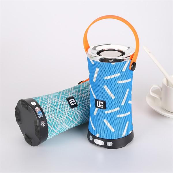 Haut-parleurs sans fil Bluetooth portables avec deux haut-parleurs Haut-parleur extérieur sans fil avec microphone Subwoofer Haut-parleur Bluetooth avec emballage de vente au détail