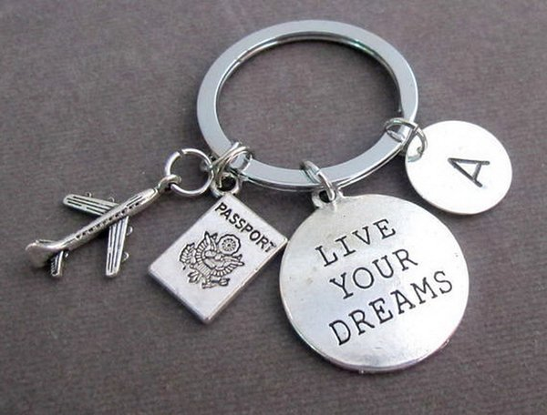 "Letter Carved ""love your dreams "" Keychain Pendant Keyring Keychain Gift for Friend Pendant Key Ring Free Shipping"