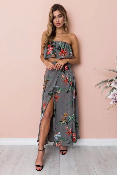 7cd2623ea48 New Women Two Pieces Sets sexy floral Print off-shoulder strapless Crop Top  +long