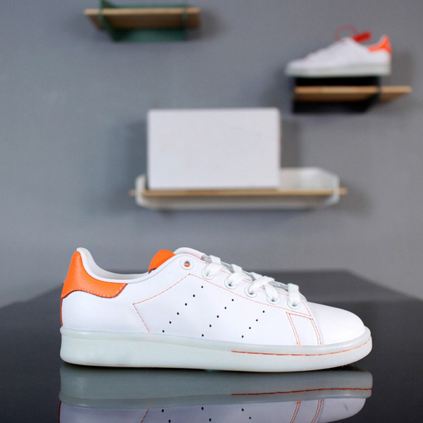 sale retailer b73b3 ba093 2018 Popular Hot Stan Smith Shoes Comfortable Lace Men Women Shoes First  Layer Leather Upper BK0019 White Orange Footwear Sport Shoes From Fuyong1,  ...