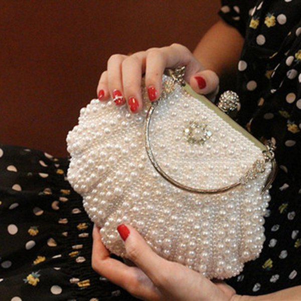 New 2018 Fashion Diamond Finger Ring Pearl Evening Bags Wedding Bride Bridesmaid Evening Clutch Bags Luxury Brand Ladies Bags