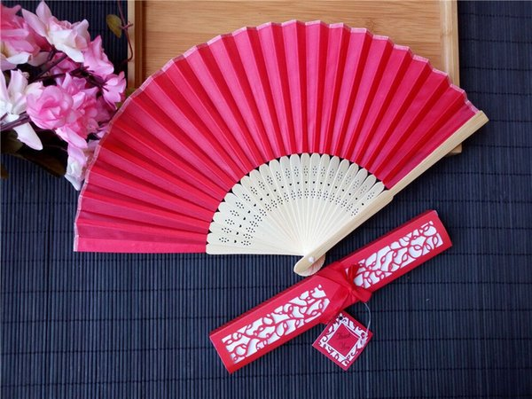 10 cores para escolher favores do casamento bridal shower lembrança mão de seda fãs com caixa de presente de corte a laser Atacado 100 pçs / lote lin4330