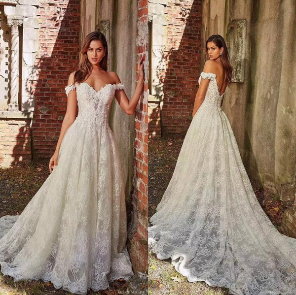 Elegant Ivory Garden Off Shoulders A Line Wedding Dresses Lace Appliqued with Court Train Long Bridal Gowns Sexy Low Back Wedding Gown