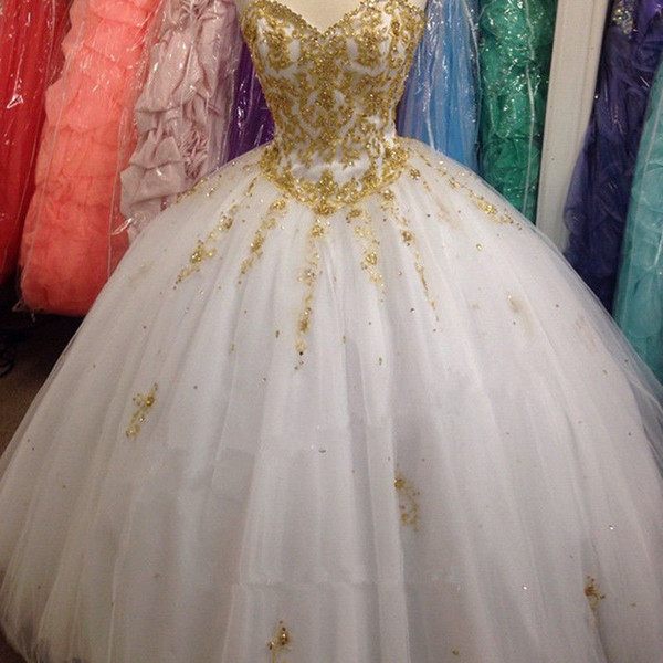2018 New Beautiful Ball Gown Beading White Gold Embroidery Quinceanera Dresses For 15 Years Sweet 16 Plus Size Prom Party Gown QC1019