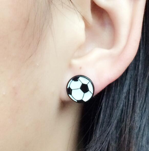 Grosshandel 4 Paare Farbe Tropfen Ol Serie Cartoon Fussball Susse Emaille Legierung Ohrringe Gemischte Ohrringe Urlaub Geschenke Von Gift12 1 16 Auf