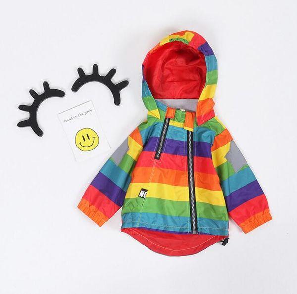 Mode Casual Baby Jacket Garçons Filles Vêtements Cool Jacket Kids Rainbow Color Coupe-vent Coupe-vent Imperméable Garçons Vêtements de Dessus CA440