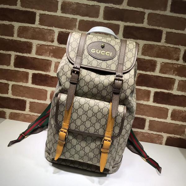 Top Quality Design de Celebridades De Luxo Carta Fivela em relevo marrom lona de couro Mochila Homem Mulher 473869 saco de Viagem de Lona