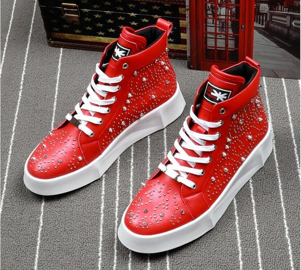 High Quality Fashion Men High Top British Style Rrivet Shoes Men Causal Luxury Shoes red Black Bottom rubber Shoes for Male 2018