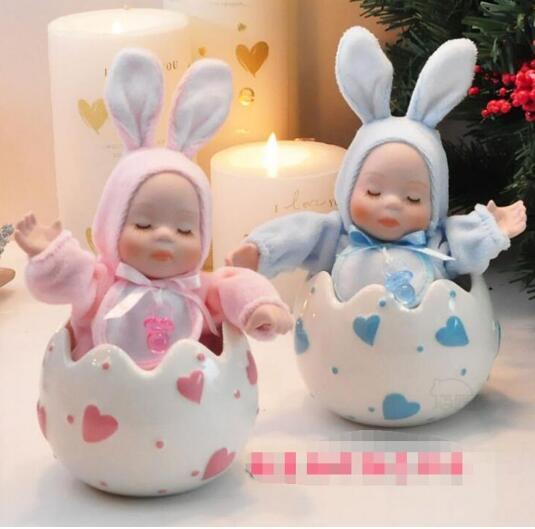 Music box gift, birthday gift, wedding gift, commemorative fashion doll decoration