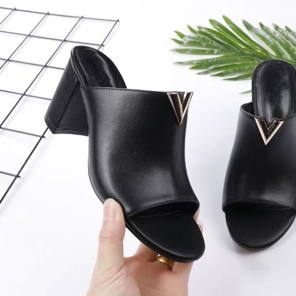 2018 Luxury New V Womens Casual Chunky Heel Sandals Leather Peep Toe High Heels Fashion Slipper On Open Toes Womens Sandals Free Shipping