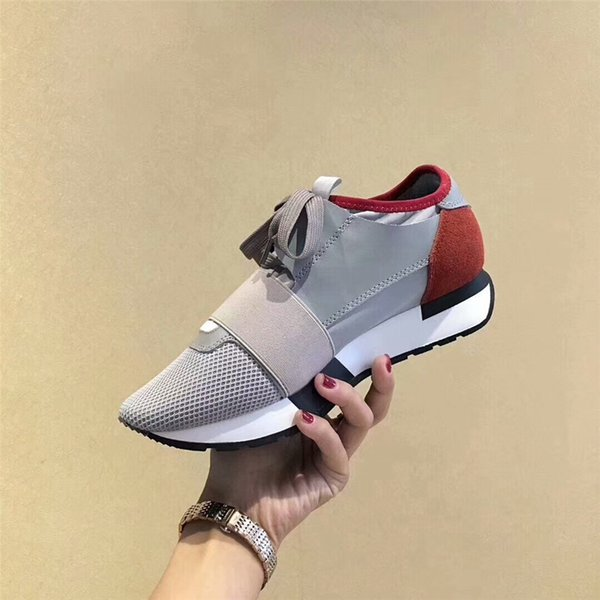 Nom Marque Kanye West Race Runner Chaussures Décontractées Homme Femme Nouveau Designer Army Green Bas Cut Mesh Trainer Chaussures Sneaker Pas Cher Taille 35-46