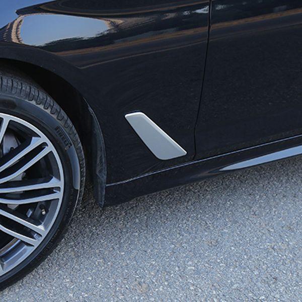 Bandes de garniture de couverture d'aile de plaque de feuille latérale de voiture de style de fibre de carbone pour BMW Série 5 G30 G38 2018 ABS 2pcs extérieur Stickers
