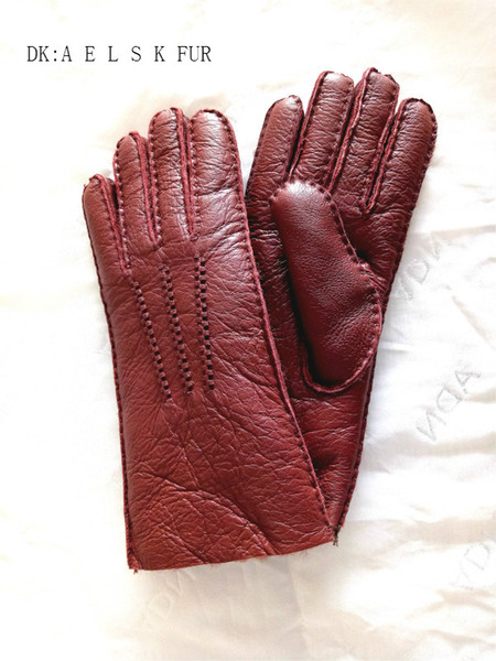 Whole skin sheep shearing women's five-finger gloves ladies favorite real good hair holding flowers on the grades of gloves wear