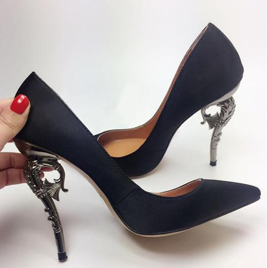 Zapatos Mujer Fretwork Metal Heel Fashion Luxury Satin Silk Pumps Pointed Toe Party Dress Shoes Sexy Slip On Women Wedding Shoes High Heels