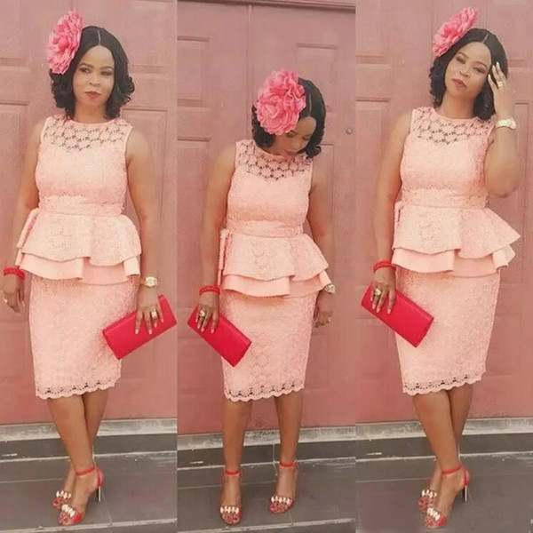 New African 2017 Peach Lace Knee Length Sheath Bridesmaid Dresses With Peplum Crew Short Prom Party Gowns Custom Made China EN121311