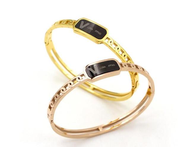 Neue hohle Nachahmung Kette V Englisch schwarzer Film dunkle Schnalle Armband Mode Titan Stahl Wild Gezeiten weiblichen Accessoires Armband