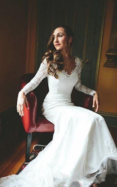 elegant new simple Wedding Dress 2019 New v Neck long Sleeveless sheer Lace Applique Plus Size sweep train Custom Made Bridal Wedding Gowns
