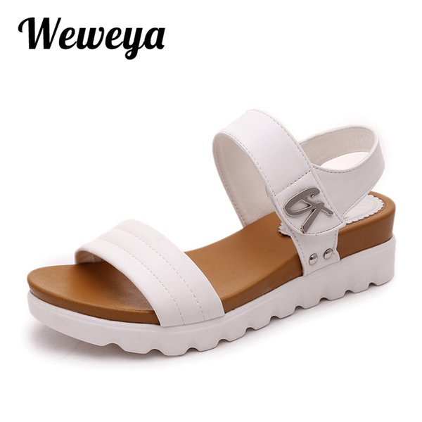 2df599d3813d0e Weweya 2017 Summer Gladiator Sandals Women Aged Leather Flat Fashion Women  Shoes Casual Occasions Comfortable The Female Sandals