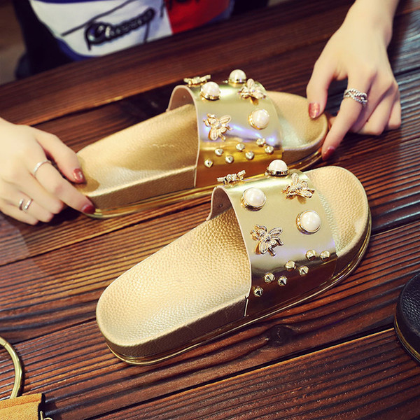 best selling Luxury Pearl Sandals Fashion Summer Bling Scuffs For Lady Little Bee Accessories Women Casual Non-Slip Slippers Gold Leisure Sandals