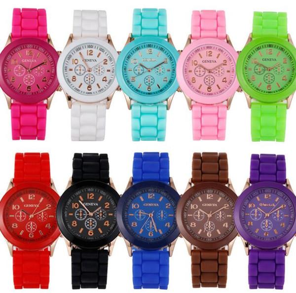 Le donne mens unisex popolari classiche amano il silicone di gomma molle del silicone guarda gli orologi all'ingrosso degli orologi del quarzo della caramella degli studenti degli studenti