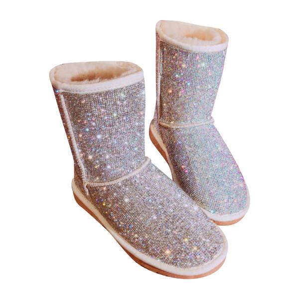 EU43 Tamaño grande Cálido Invierno Botas Mujeres Rhinestones hechos a mano Botas de nieve Zapatos de piel Mujer 2018 Moda Bling Cristales a media pierna