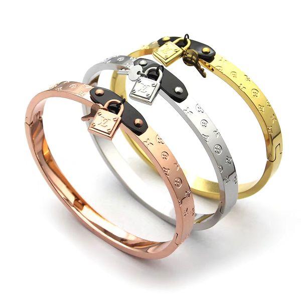 European Brand Letter V Bangle Bracelet deluxe Zircon Charms Bangles for Women men Party Fine Jewelry Costume Accessories