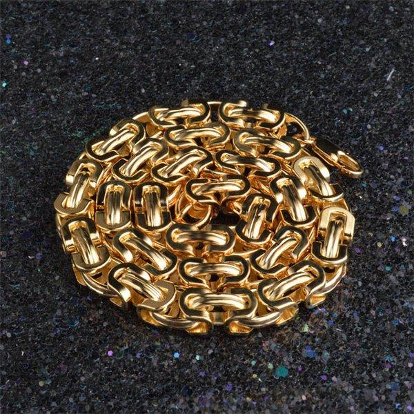 Collar de color dorado