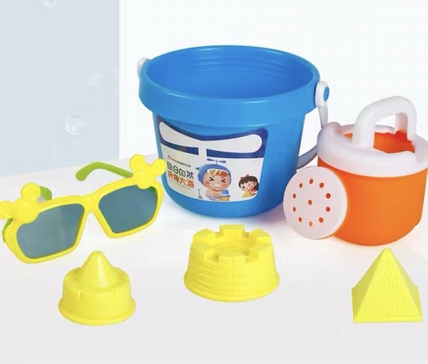 Funny Children's beach toy set sand dredge bucket boys and girls play with sand decisive tools
