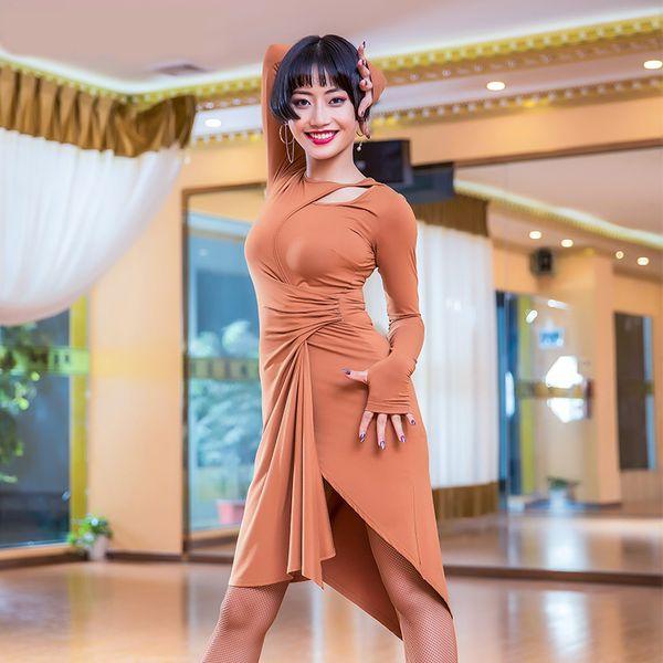 Modal Ausschnitt Langarm Placketing Unregelmäßiger Latin Dance Einteiliges Kleid für Frauen Ballsaal Kostüm Flamengo trägt M3128