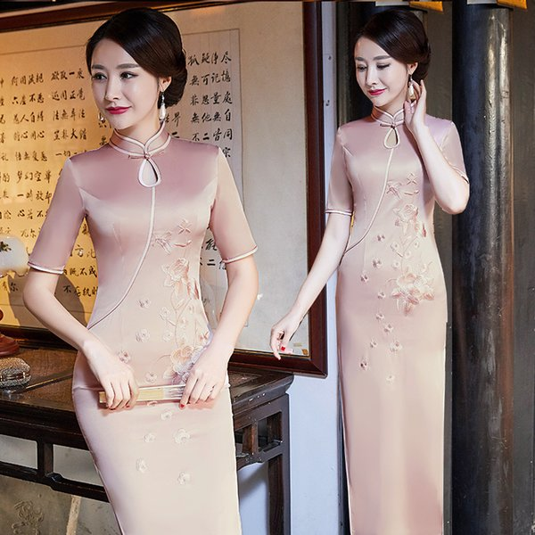 2018 new Chinese wind improvement banquet, big show, big fat woman, Long Satin cheongsam dress.