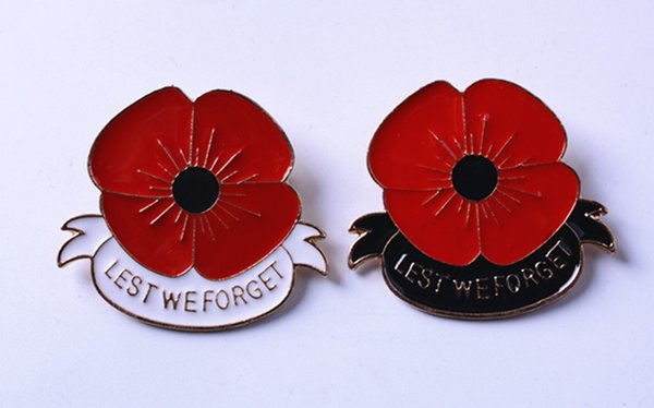 """""""Lest We Forget"""" Enamel Red Poppy Brooch Pin Badge Golden Flower Remembrance Day Gift 4x4.5cm"""
