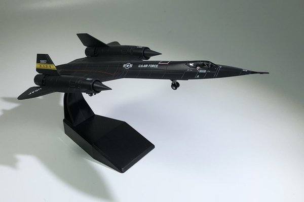 Military Alloy Simulation Black Bird SR71 Reconnaissance Model 1:144 Plastic Ornaments Toys Collection Gifts Free Shipping