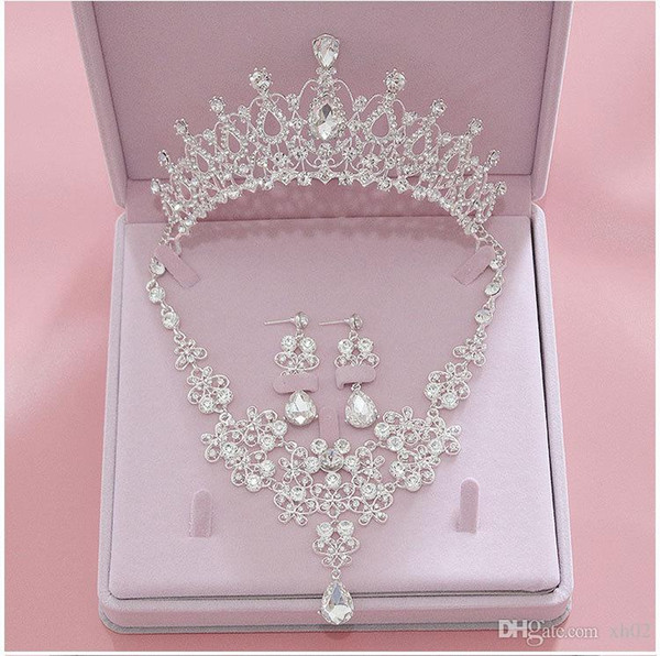 top popular Bridal Accessories 2019 Silver Crystal Bridal Jewelry Sets Necklace Earrings Crown Wedding Jewelry Accessories Christmas Gift 2021