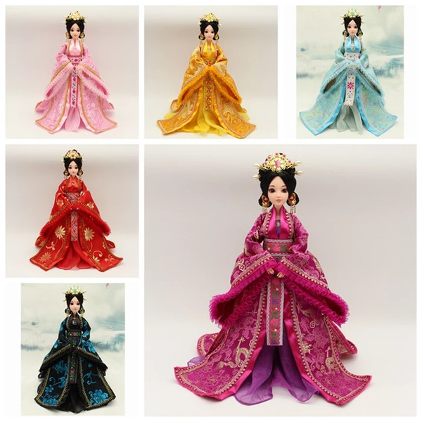 Pure handmade ancient Chinese clothing, imperial concubines, empress dolls, girls changing into toys, creative furnishings at home