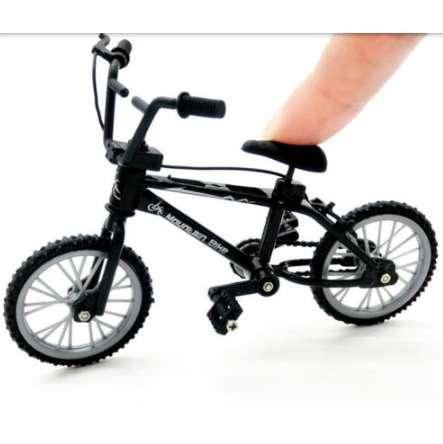 Mini Finger Toys Mountain Bike Fixie Bicycle Finger Scooter Toy Creative Game Suit Children Grownup