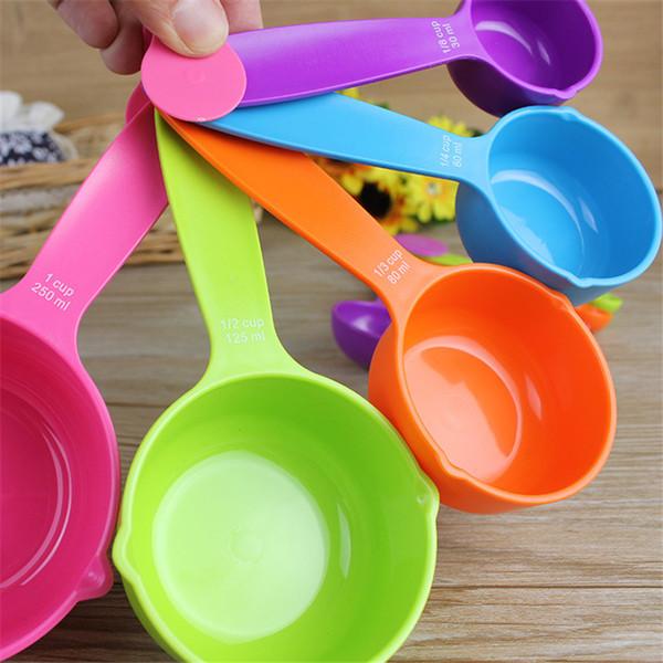 Jogo de colher de medição 5 grande cor de plástico colher de medição copo de medição combinação farinha de cozimento colher cozinha ferramenta de cozimento